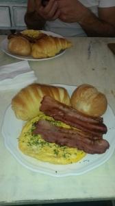 6 euro breakfast in the Alfama